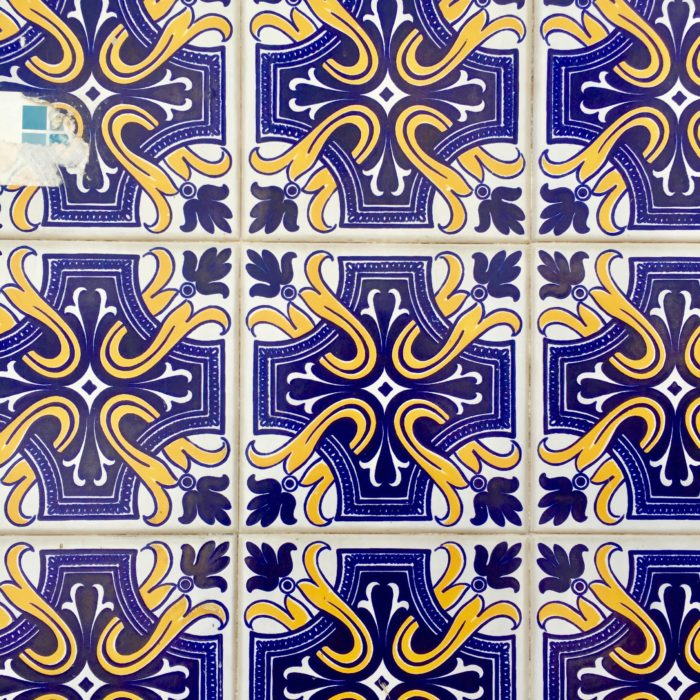 Azulejos in Lisbon blue cross