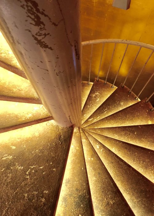 Enter The Dragon ~ trendy in Munich! the golden staircase