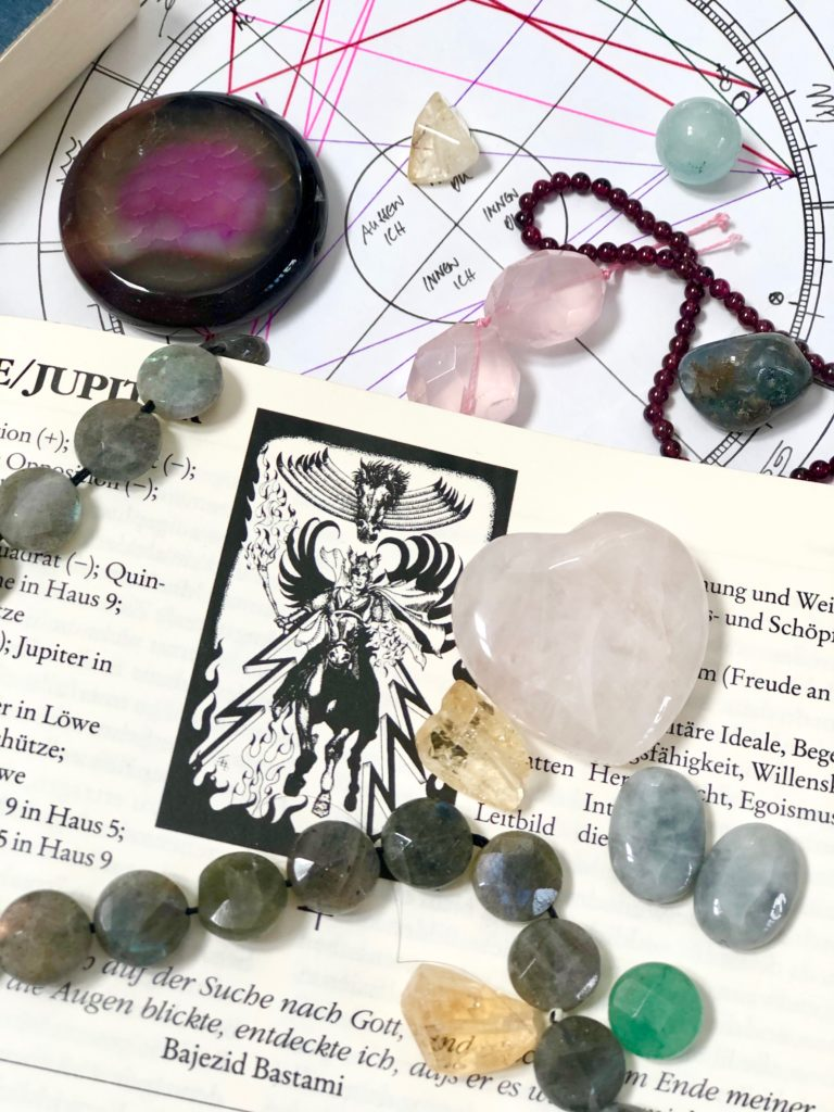 Enlightening ~ The power of gemstones & crystals_Astrology and Gemstones
