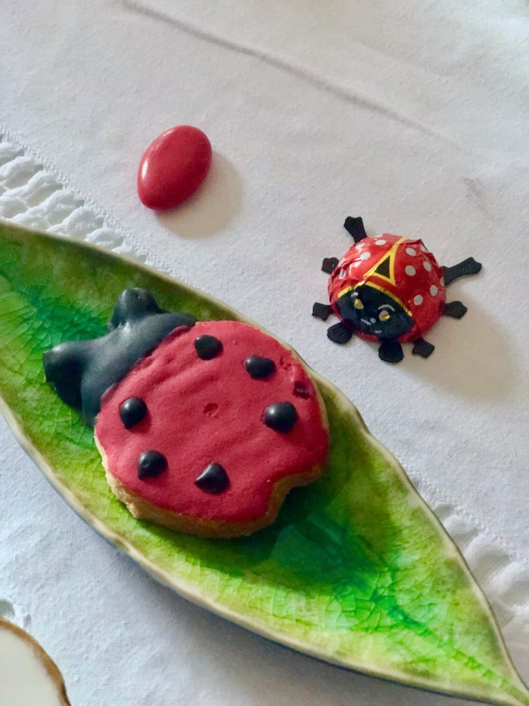 Ladybug-make-a-wish...cookiesonplate