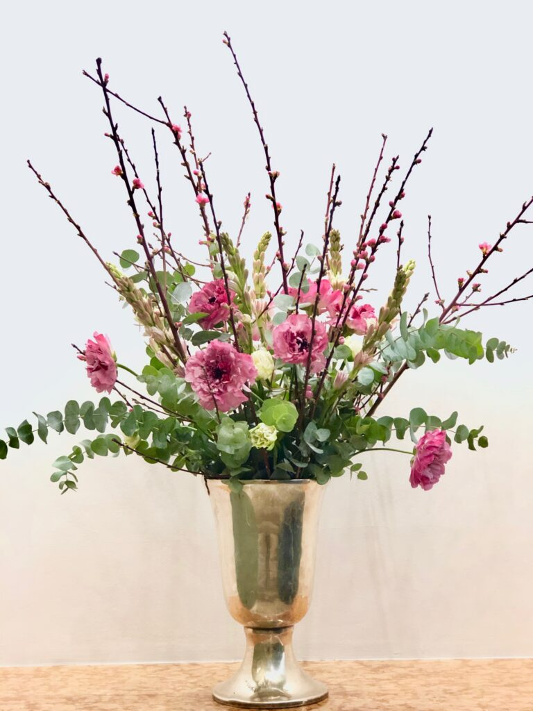 Passionately-living-with-flowers-plants_centrepieceinpink